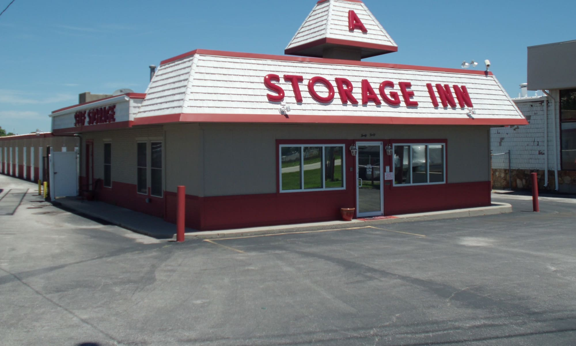 Storage units available at A Storage Inn - Cave Springs in Saint Peters, MO