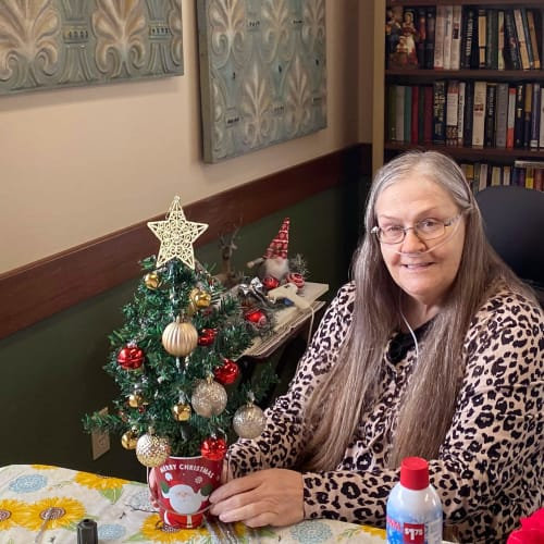 A resident making christmas decorations at Canoe Brook Assisted Living in Duncan, Oklahoma