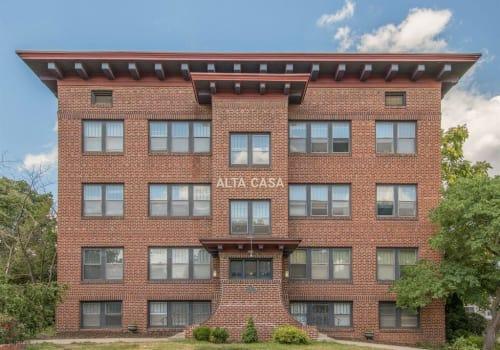 Apartments at Alta Casa in Des Moines, Iowa
