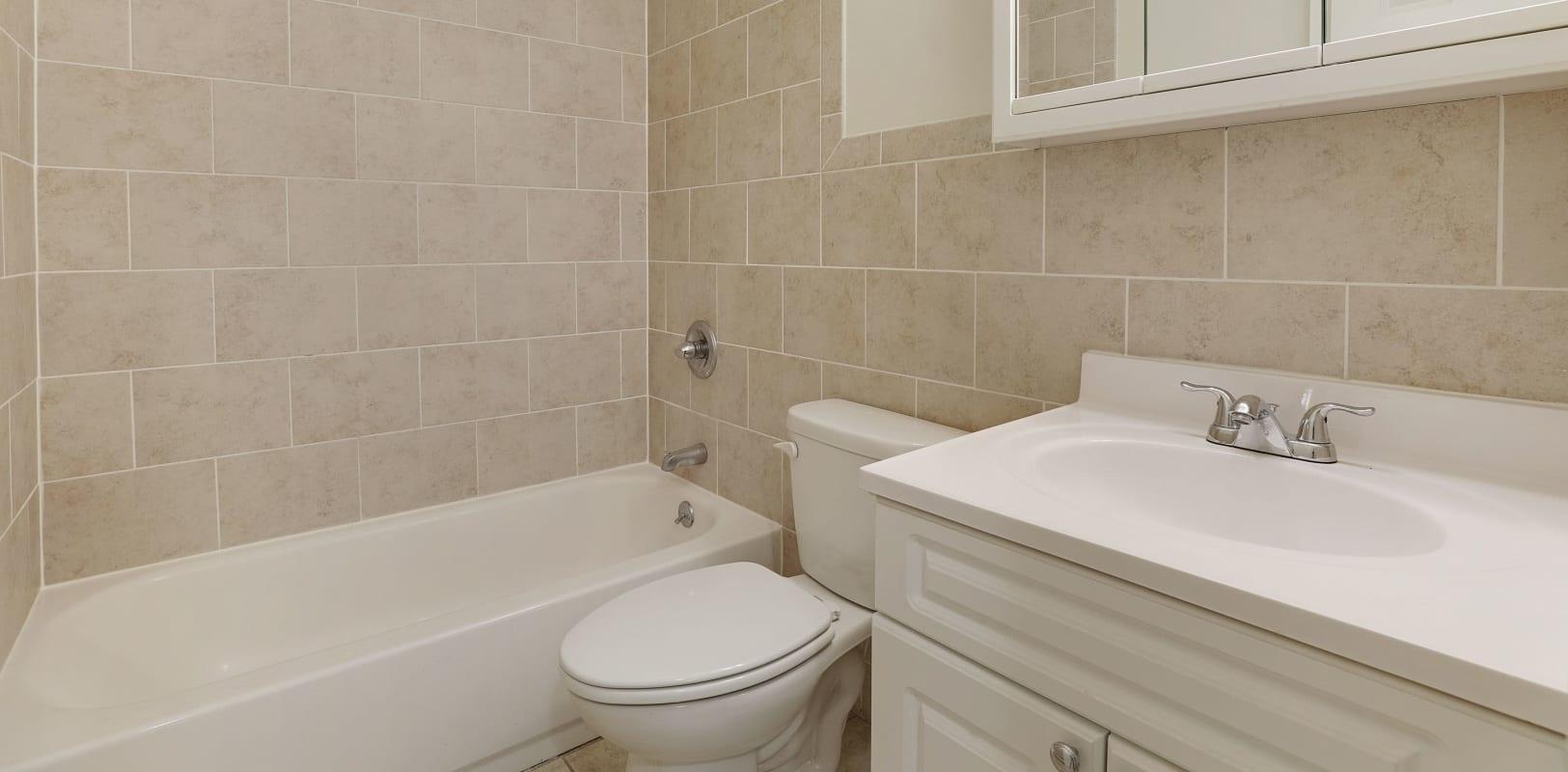 Clean bathroom at Balmoral Arms in Matawan, New Jersey