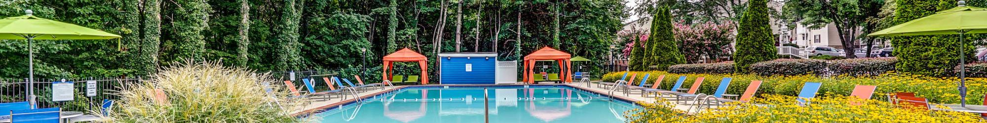 Swiming pool at Aston Ridge Apartments
