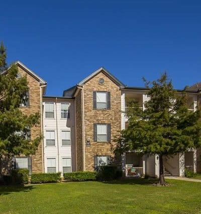 Exterior view of apartments at Veranda in Texas City, TX