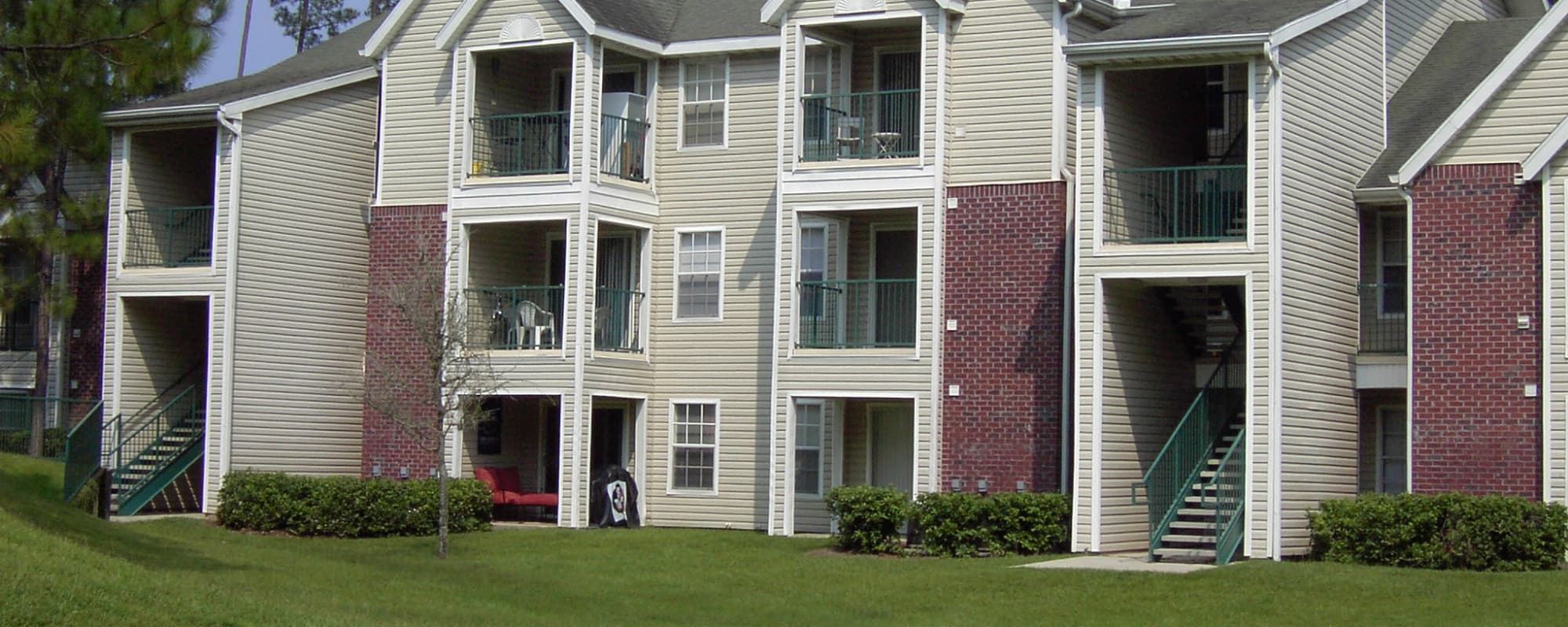 Polos on Park offers apartments with balconies in Tallahassee, Florida