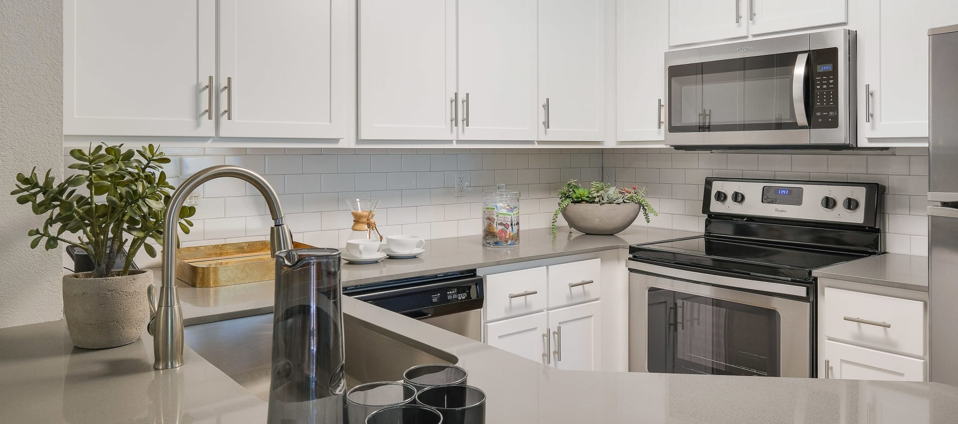 Kitchen at Centro Apartment Homes in Hillsboro, Oregon