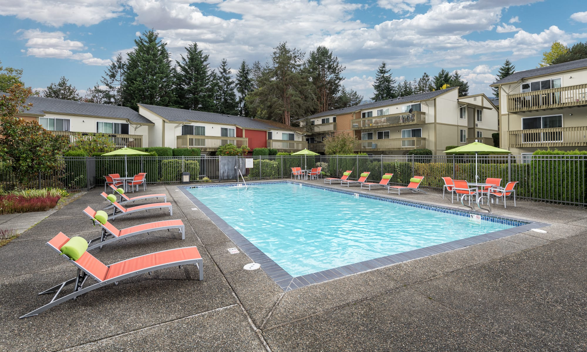 Photos of Edgewood Park Apartments in Bellevue, Washington