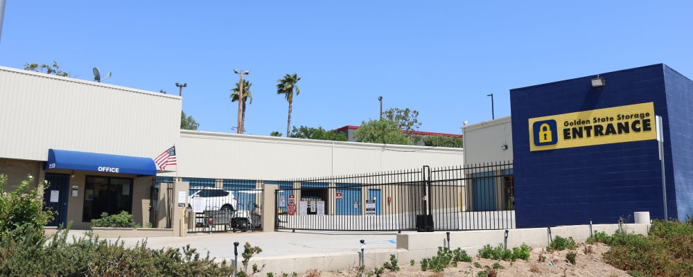 Exterior of Golden State Storage - Golden Triangle in Santa Clarita, California