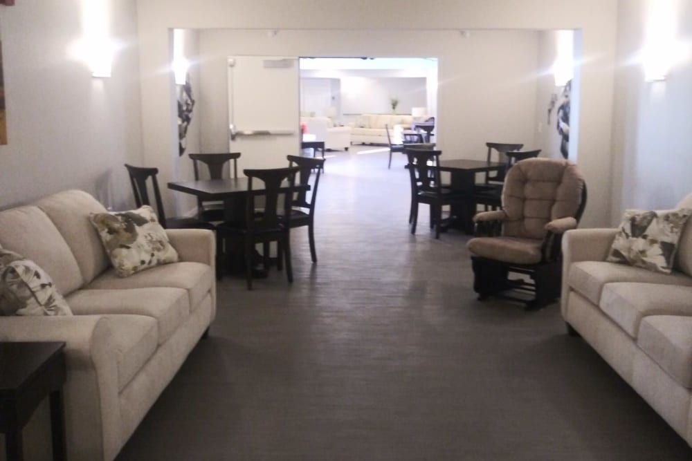 Community living area at Arlington Place of Red Oak in Red Oak, Iowa