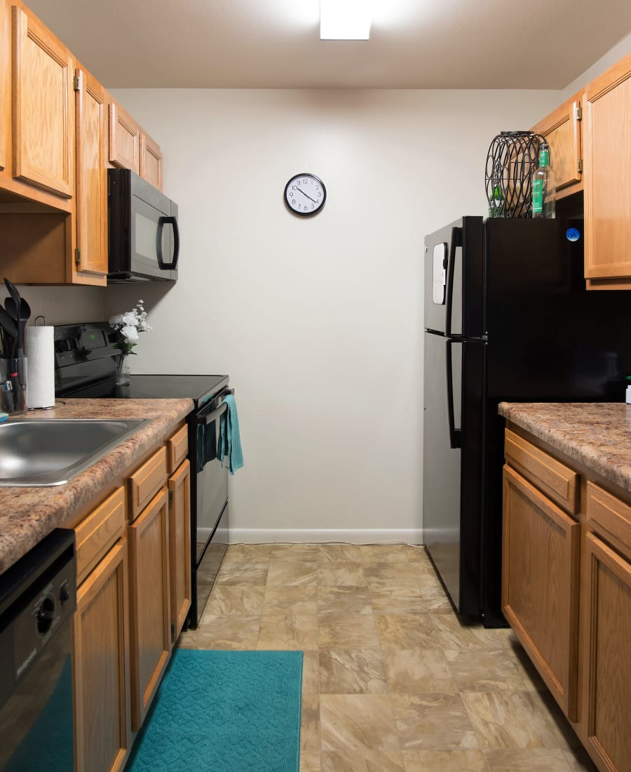 Fully Equipped Kitchen at Horizon Ridge Apartments in East Greenbush