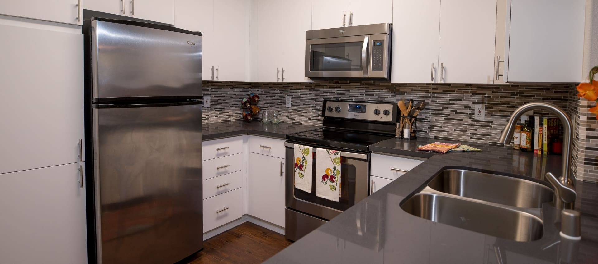 Modern kitchen at Park Central in Concord, California