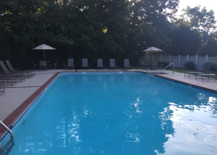 Link to amenities page at Chapel Lake Apartments in Virginia Beach, Virginia