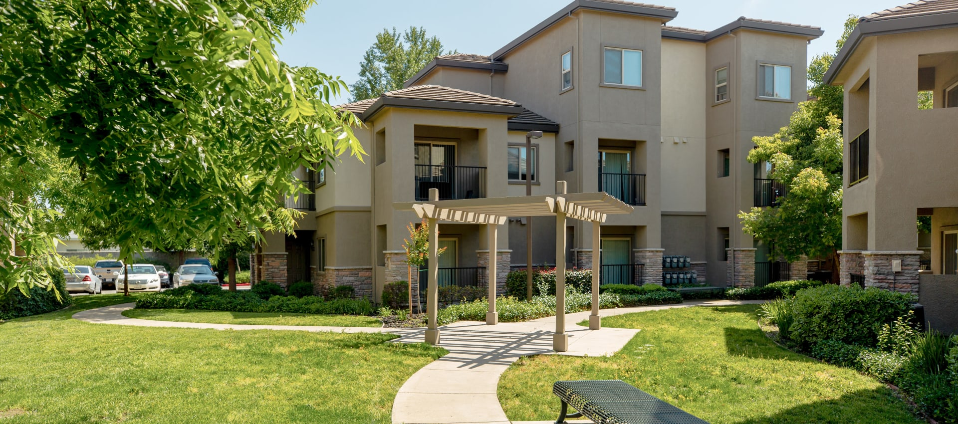 Apartments entry at Wolf Ranch Condominium Rentals in Sacramento
