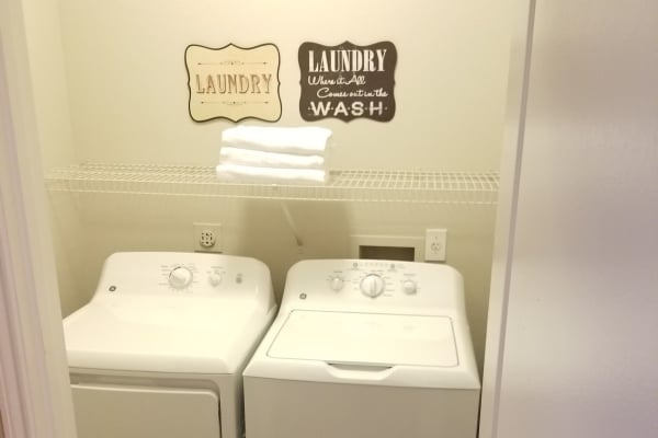 washer and dryer Timberlakes at Atascocita