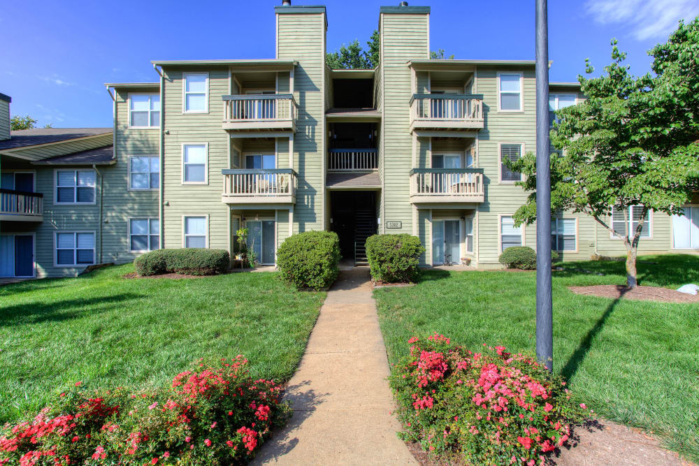 Our apartments in Midlothian, Virginia offer private patios and balconies