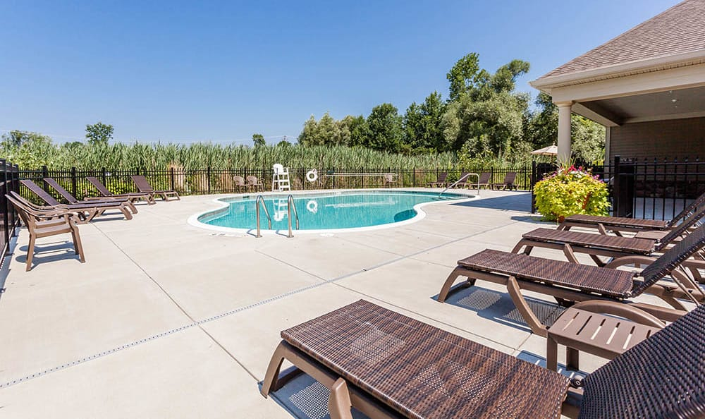 Auburn Creek Apartments pool deck