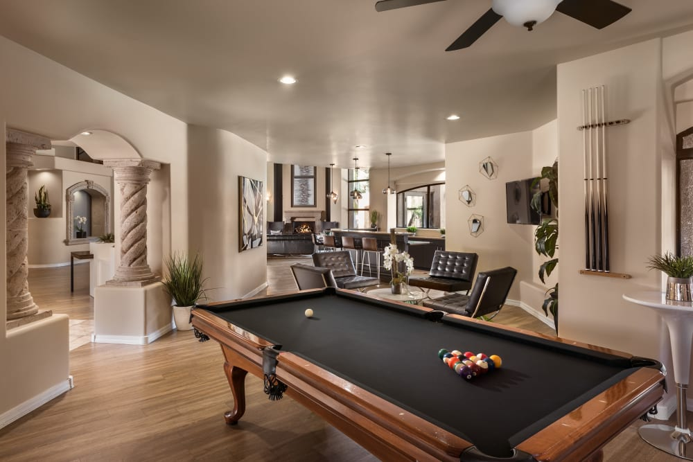 Contemporary decor in resident clubhouse at The Retreat at the Raven in Phoenix, Arizona