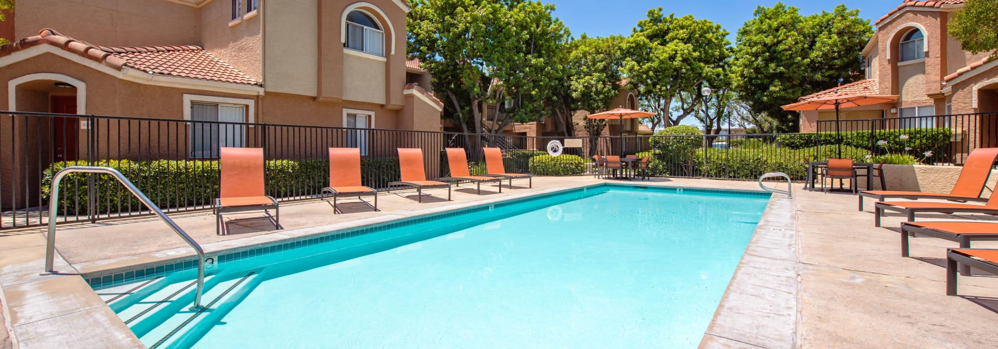 Virtual tours of Tuscany Village Apartments in Ontario, California