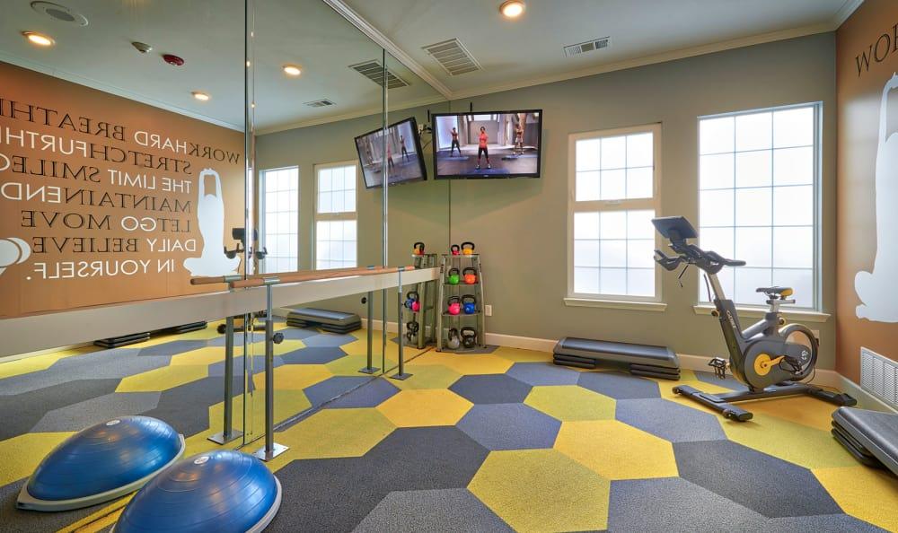 Fitness Legend Oaks Apartments