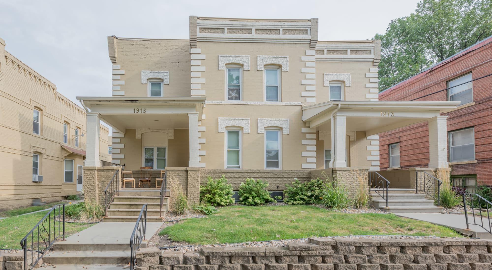 Pleasant Street Apartments in Des Moines, Iowa