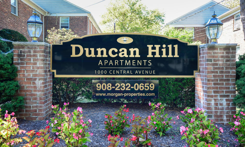 Sign at Duncan Hill Apartments & Townhomes in Westfield, New Jersey