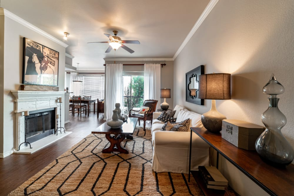 Spacious, well decorated living room at Marquis at Lantana in Flower Mound, Texas