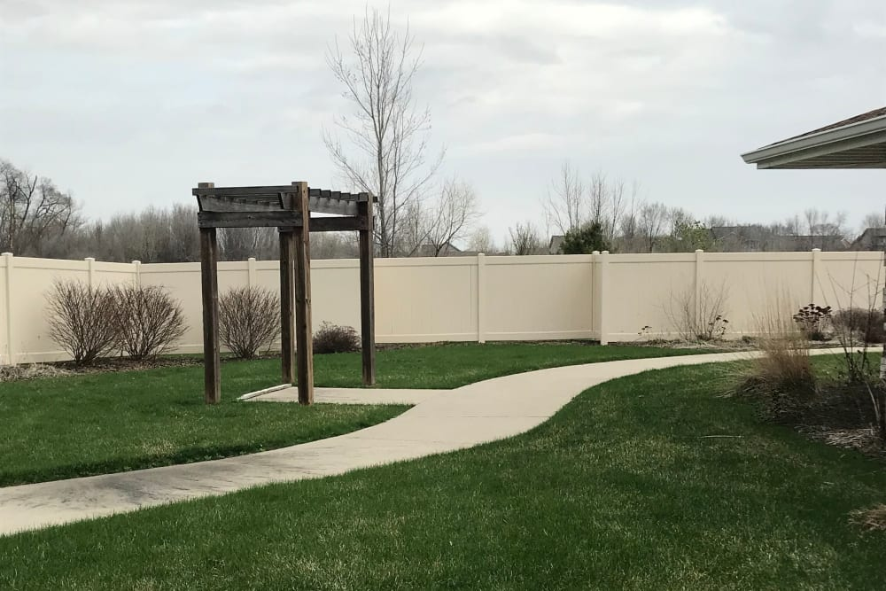 Walking path through the grounds at Prairie Hills Senior Living in Des Moines, Iowa.