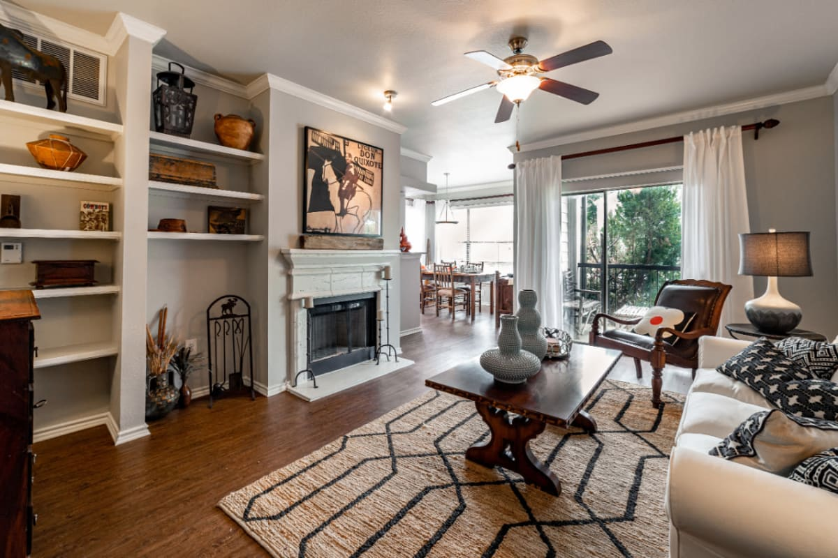 Well decorated living room at Marquis at Lantana in Flower Mound, Texas