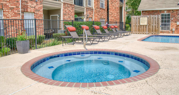Hot tub at The Lexington Apartment Homes in Biloxi, Mississippi