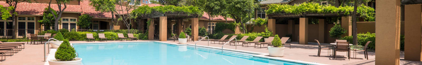 Pet friendly at Estates on Frankford in Dallas, Texas