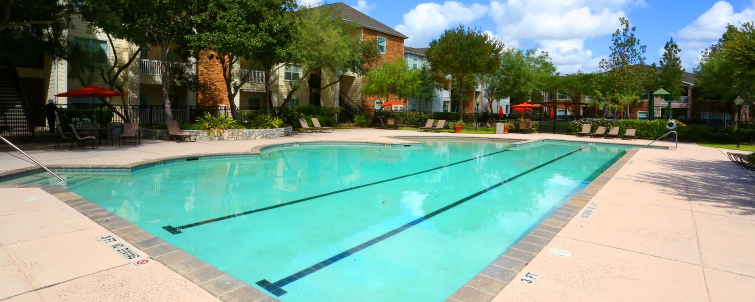 Cornerstone Ranch Apartments offers a swimming pool in Katy, Texas