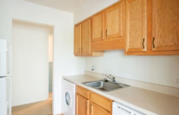 Van Antwerp Village Apartment Home is a nearby community of Niskayuna Gardens