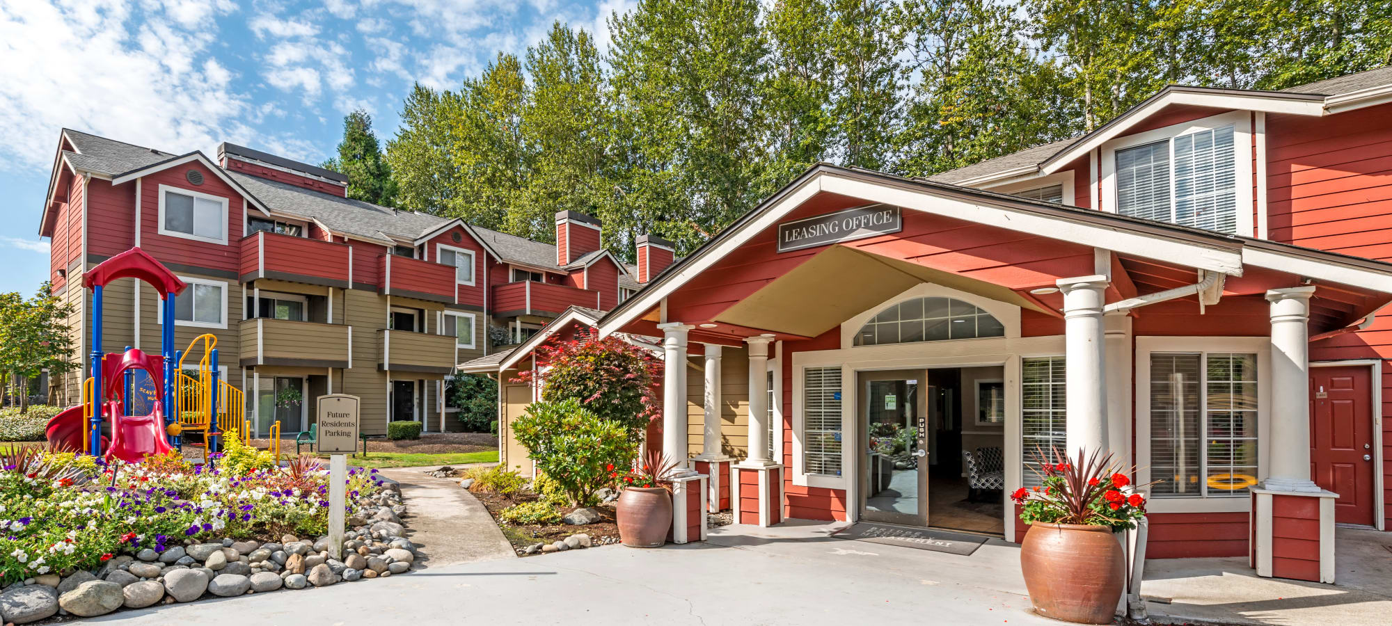 Learn more about our luxury apartments in Puyallup, WA.