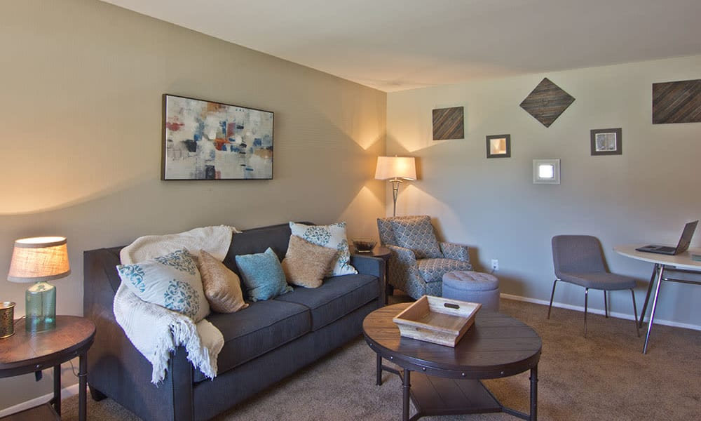 Living area at The Summit at Ridgewood in Fort Wayne, Indiana