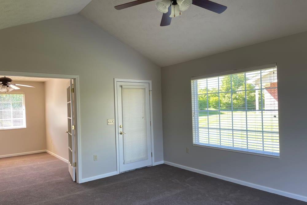 Living room at Triple Creek Retirement Community in Cincinnati, Ohio