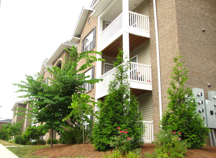 Exterior view of the apartments at Spartan Crossing