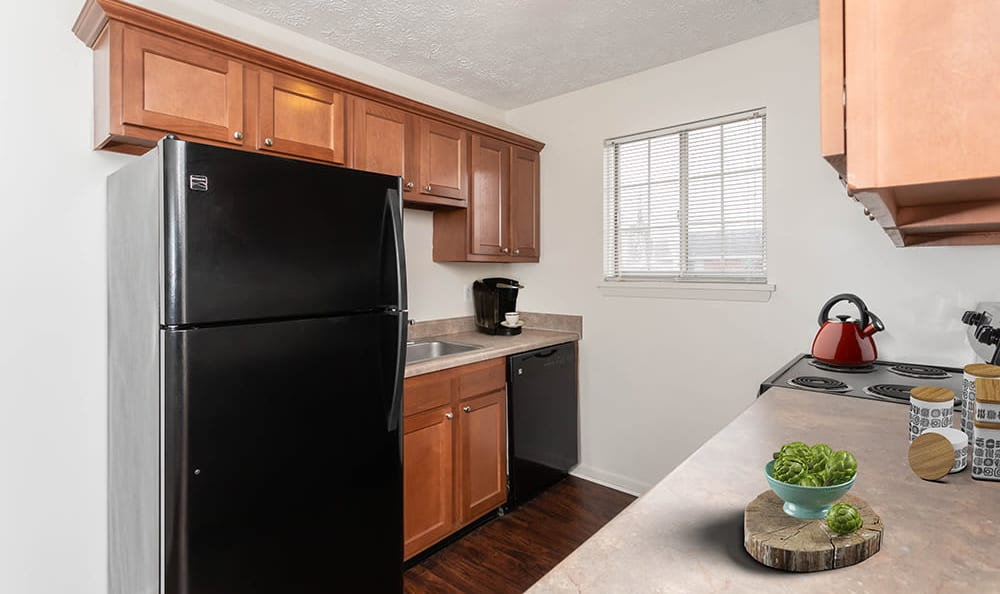 Kitchen at Waverlywood Apartments and Townhomes home in Webster, NY