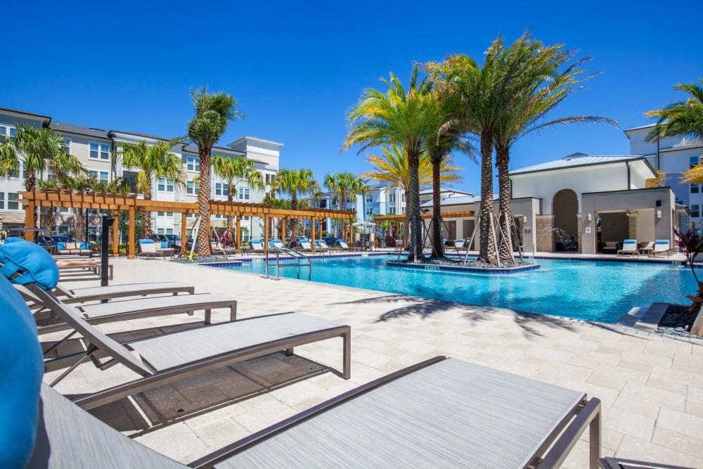 Luxurious swimming pool at Linden Audubon Park in Orlando, Florida