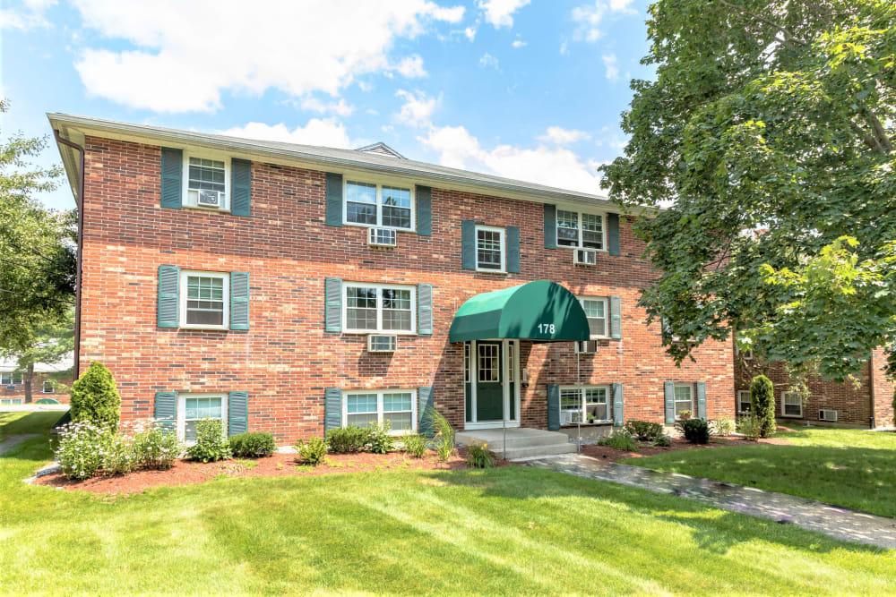 Exterior of brick building at Eagle Rock Apartments at Nashua in Nashua, New Hampshire