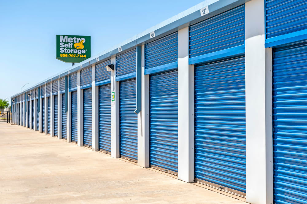 Exterior drive up units at Metro Self Storage in Lubbock, Texas