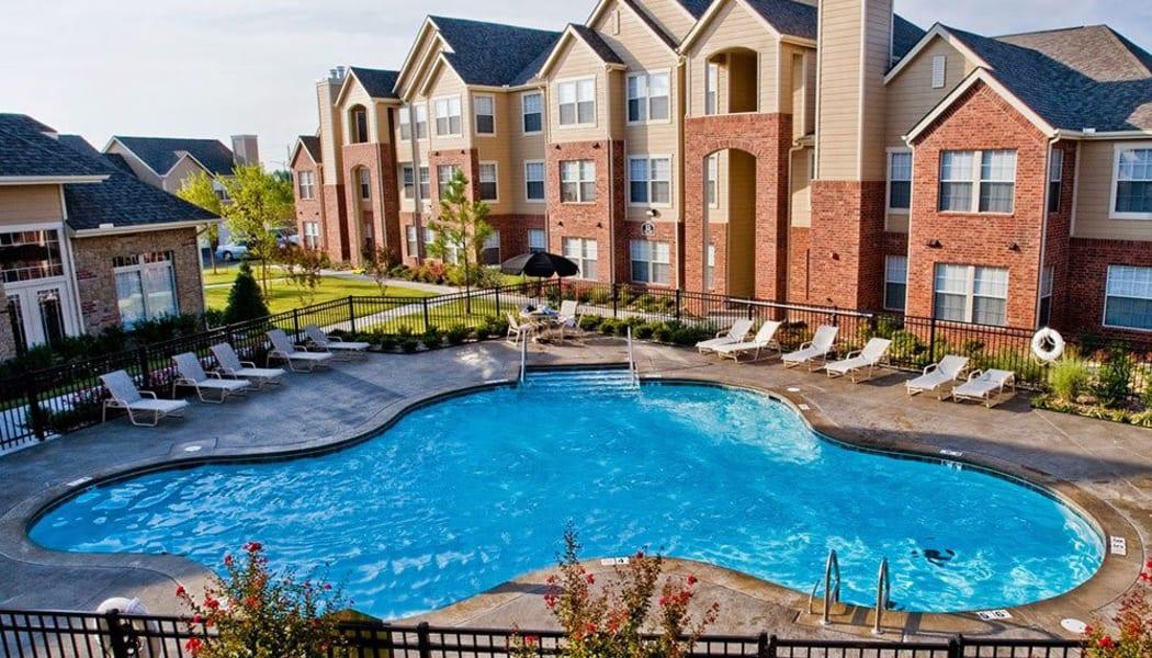 The pool at Villas at Aspen Park in Broken Arrow, Oklahoma