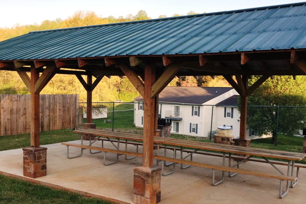 Covered picnic area at Willow Run in Clinton, Tennessee