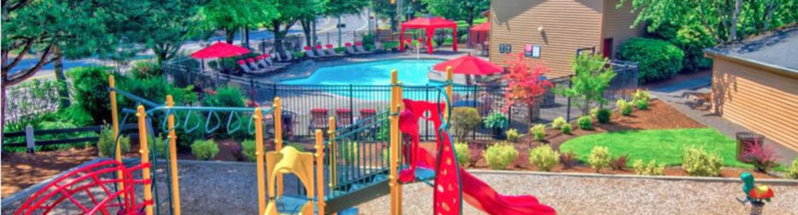 Pool at Vista at 23 Apartments