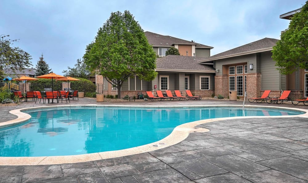 Pool Resort Style at Hawthorne Hill Apartments