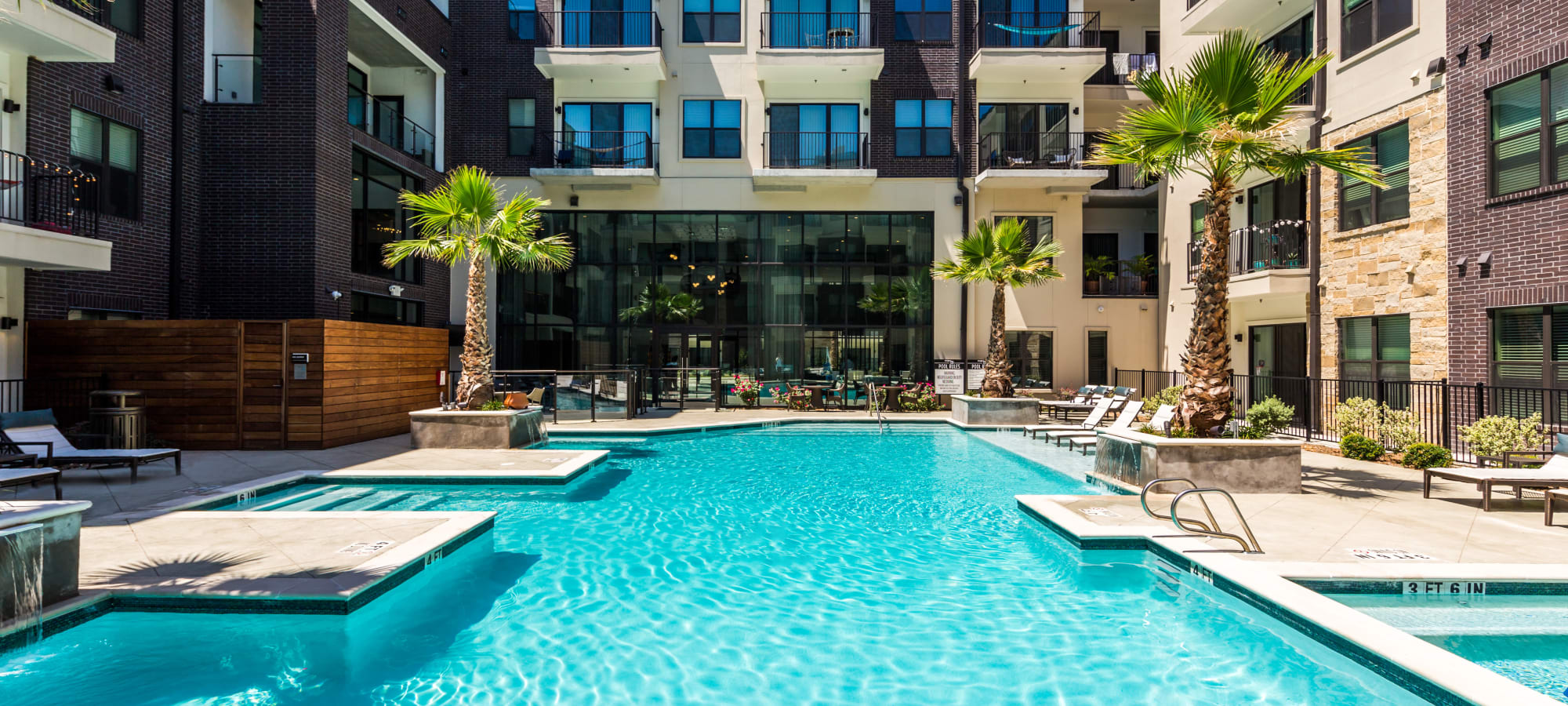 Amenities at Marq 31 in Houston, Texas