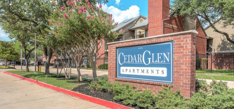 Cedar Glen Apartments sign