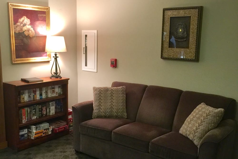 Living room at Meadow Ridge Senior Living