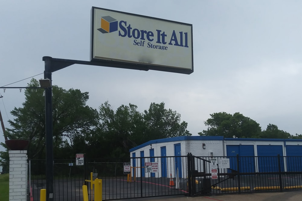 The sign in front of Store It All FW LLC in Mesquite, Texas