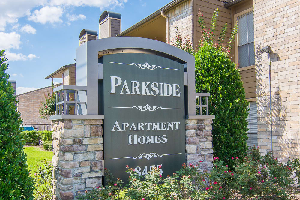 Sign of Parkside Apartments