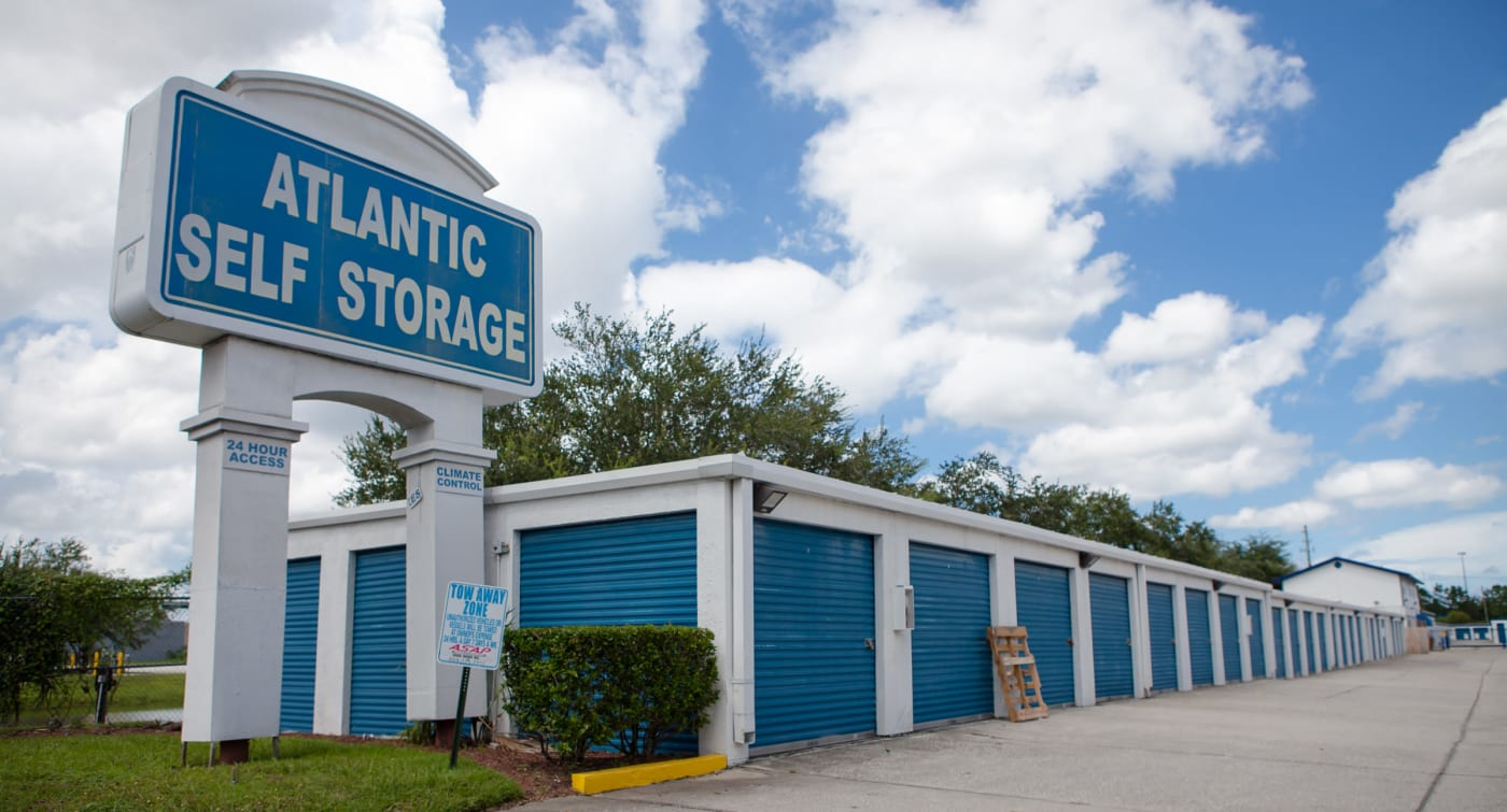 Exterior building view of Atlantic Self Storage location in Jacksonville