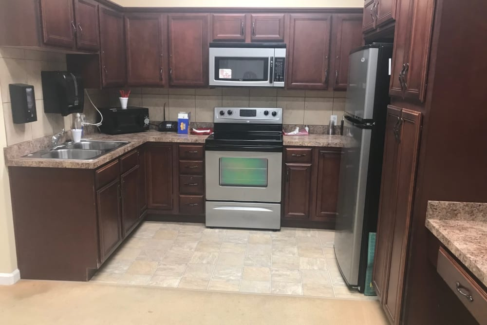 Resident kitchen at Arcadian Cove in Richmond, Kentucky.