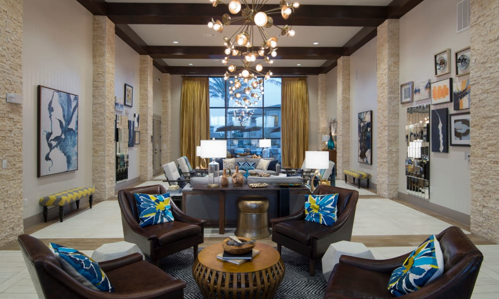 Lounge with comfortable chairs at Savannah Oaks in San Antonio, Texas